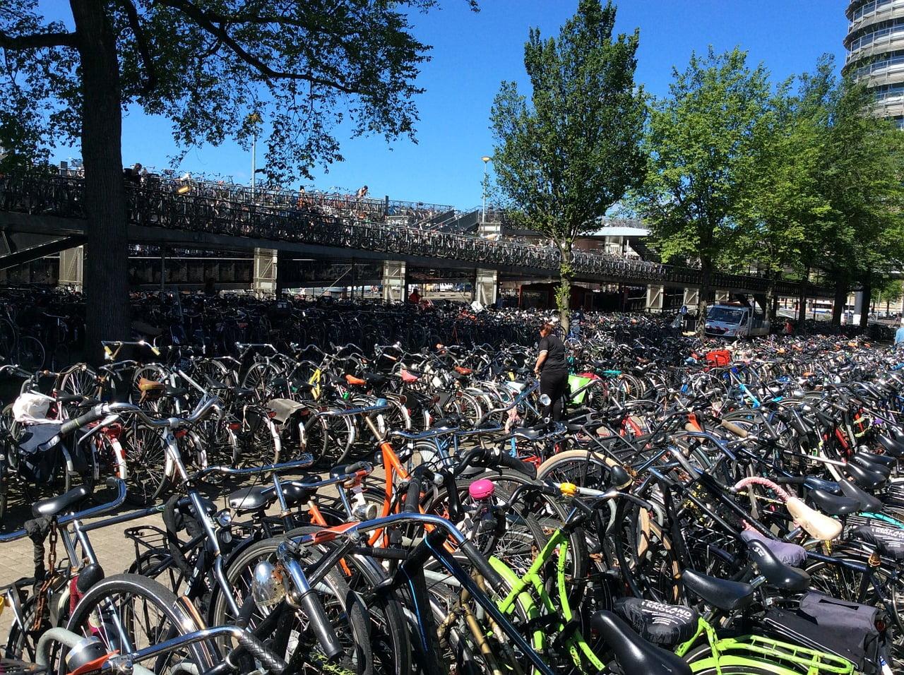 hoeveel fietsen in nederland